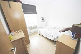 2 bedroom flat in Clapham Common Southside, Clapham Common