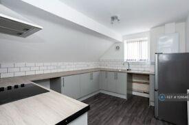 2 bedroom flat in Grosvenor Road, Newcastle-Under-Lyme, ST5 (2 bed) (#1126646)