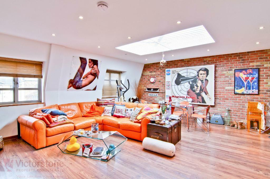 Stunning 3 Bed 3 Bath Penthouse in Camden Town available September