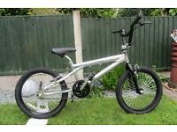 bikes custom BMX -- Alloy frame - -L@@K -- STUNNING