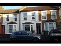 2 bedroom house in Sydney Rd, Sutton, SM1 (2 bed)