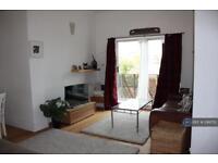 2 bedroom flat in Amhurst Park, London, N16 (2 bed)