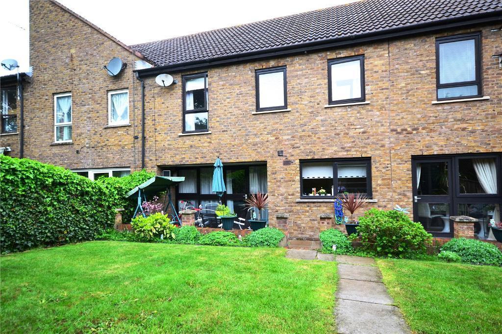 5 bedroom house in Nursery Road, East Finchley, London, N2