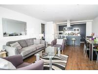 2 bedroom flat in The Oxygen, 18 Western Gateway, Docklands