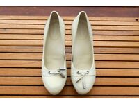 Rockport Cream High Heels - Size 6