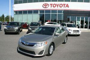 2013 Toyota Camry LE **SEULEMENT 38 938KM**