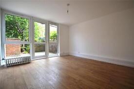 3 bedroom flat in Bretton House, Fairbridge Road, Upper Holloway, N19