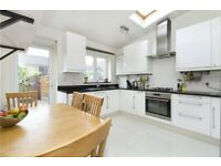 **Modern 3 bedroom house available in Canary Wharf**