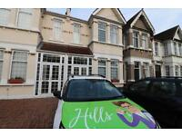 6 bedroom house in Shrewsbury Road, Forest Gate