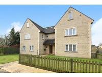 3 bedroom flat in Verenia Court, 7 Shipton Road, Woodstock