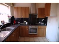 Room to let available now student and professionals welcome
