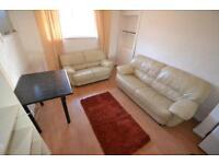 2 bedroom house in Park Street , Treforest,