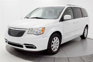 2015 Chrysler Town & Country TV, DVD, CAMERA DE RECULTouring