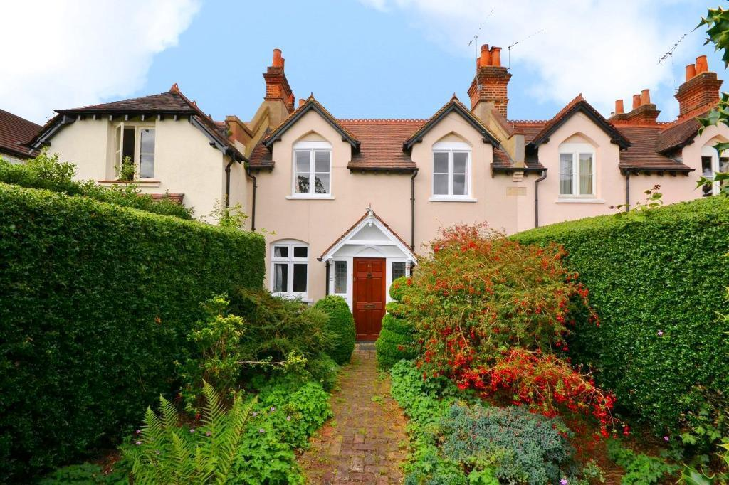 3 bedroom house in Finchley Park, North Finchley,