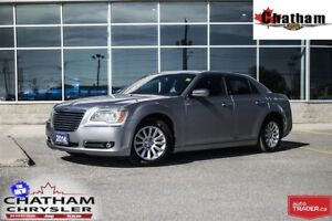2014 Chrysler 300 Touring/ UCONNECT W/ BLUETOOTH/$62 WKLY