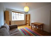 2 bedroom flat in Granville Road, Stroud Green, N4