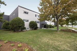 Parkway Park: Apartment for rent in Centrepointe