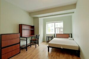 LARGE 5 BEDROOM W/ DOUBLE BEDS STEPS FROM LAURIER @188 King