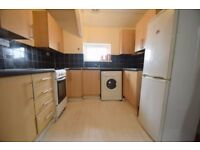 2 bed flat with a spare room available now