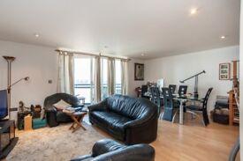 Spacious 2 Bed 2 Bath Apartment in Apollo Building, E14, Canary Wharf, Gym, Balcony, Concierge