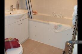 1 bedroom flat in Midhope Road, Woking, GU22 (1 bed)