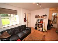 1 bedroom flat in Lucas Gardens, London, N2