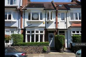 4 bedroom house in Milton Park, London, N6 (4 bed)