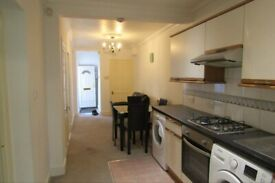 Huge Lower Ground 1/2 Bed Flat To Rent, Alkham Road, London N16