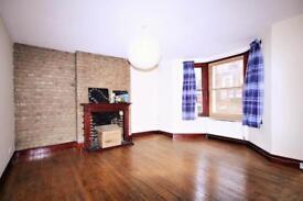2 bedroom flat in Dalmeny Road, Tufnell park