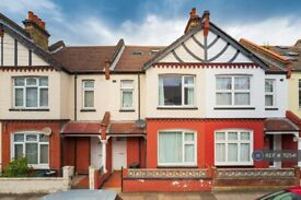 5 bedroom house in Ashvale Road, London, SW17 (5 bed) (#712541)