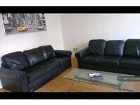 1 bedroom in St Annes Avenue, Leeds, LS4 (#1073608)
