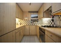 WOW 2 BED 2 BATH TERRACED HOUSE WITH GUEST WC, PARKING IN SCHOONER CLOSE, ISLE OF DOGS, LONDON E14