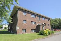 Great Location for Mature Students ! Quiet 1 & 2 Bdrm *