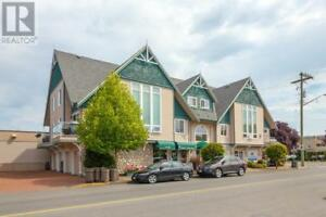 204-2460 Bevan Ave Sidney, British Columbia
