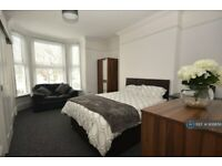 1 bedroom in Campbell Road, Southsea, PO5 (#906856)