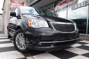 2016 Chrysler Town & Country Touring-L | Backup Camera | Blue-ra