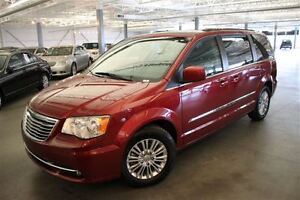 2015 Chrysler Town & Country TOURING 4D Wagon