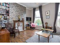 1 bedroom flat in Alvington Crescent, London, E8 (1 bed) (#1017993)