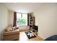 2 bedroom flat in GFF, Stanhope Avenue, Finchley, N3