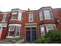 3 bedroom flat in Simonside terrace, Heaton