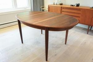 Gudme Rosewood Extendable Oval Dining Table