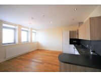 2 bedroom flat in Garth Road, Morden, SM4