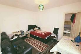 1 bedroom ground floor flat to rent in bury park close to town £650 pcm