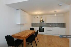 3 bedroom flat in Caledonian Road, London, N1 (3 bed) (#1056940)