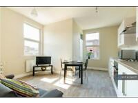 1 bedroom flat in Upper Stone Street, Kent, ME15 (1 bed)