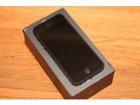 Iphone 5 16gb in black vgc
