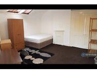 1 bedroom in Knowle Terrace, Leeds, LS4 (#775548)