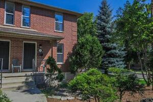 Welcome to 424 Oxford Street East 5 Bedroom Fanshawe College
