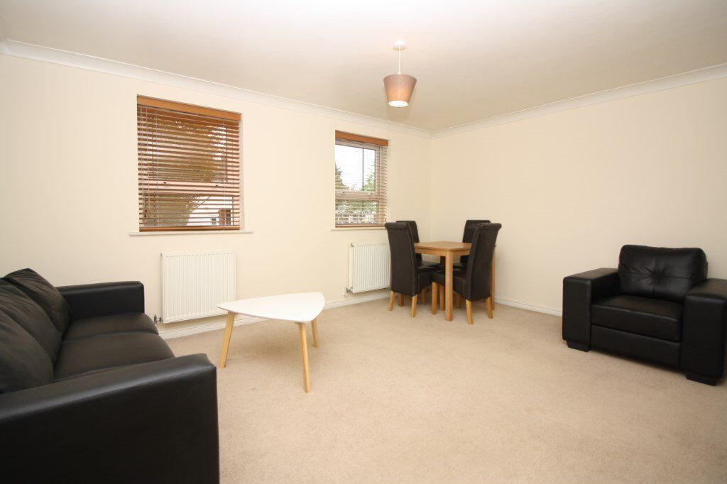 VACANT! GREAT DEAL 2 BED APARTMENT BY MUDCHURE DLR E14 ONLY 330PW CANARY WHARF - FURNISHED & PARKING