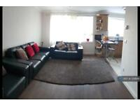 1 bedroom flat in Buckingham Avenue, Greenford, UB6 (1 bed)